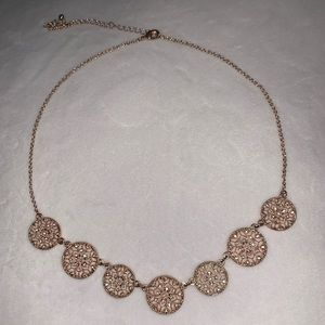 Pretty rose gold necklace